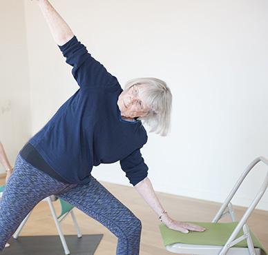 Yoga sur chaise gratuit